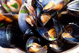 Photo of steamed mussels