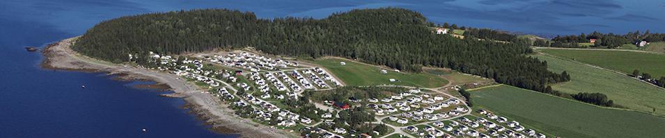 Flyfoto av campingplass.